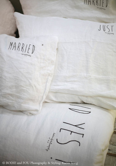 """Stonewashed linen duvet cover """"Just Married"""", 220 x 240 cm, white"""