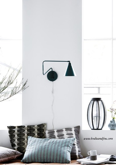 New-York black & white wall light LARGE