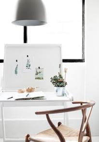 K desk White